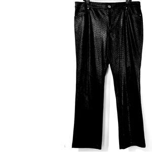 16 SOHO Apparel Ltd Black Snake Print Pants